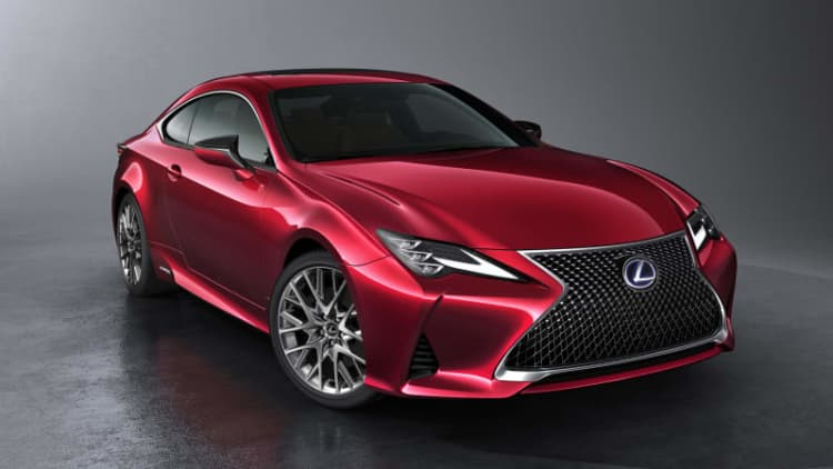 Lexus RC facelift: Here's an official look