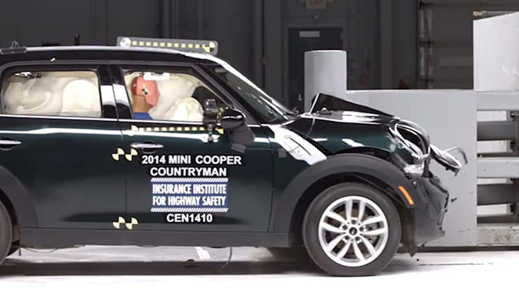 Mini Cooper Countryman only small car to earn good grade in latest IIHS crash tests [w/video]