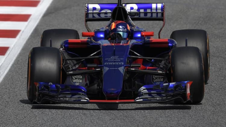 Honda aims to put Torro Rosso into top three in F1 next year