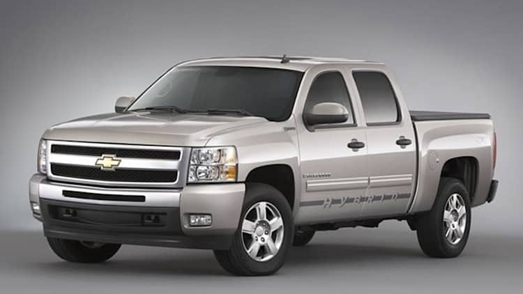 Verizon acquires 576 Chevrolet Silverado hybrids