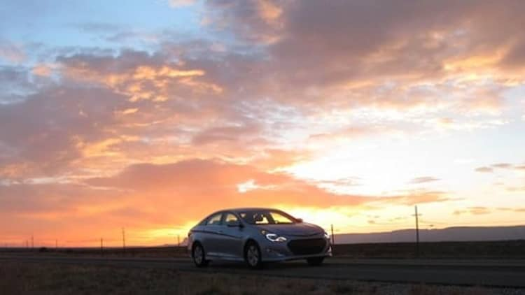 Hypermiling Hyundai Sonata Hybrid crosses America in under two tanks [w/video] *UPDATE