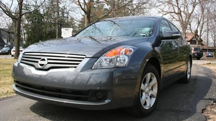 AutoblogGreen Garage: Spend some time with the Nissan Altima Hybrid