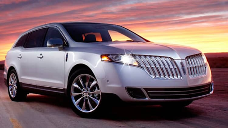 Detroit 2009: Lincoln MKT debuts with a big, toothy smile