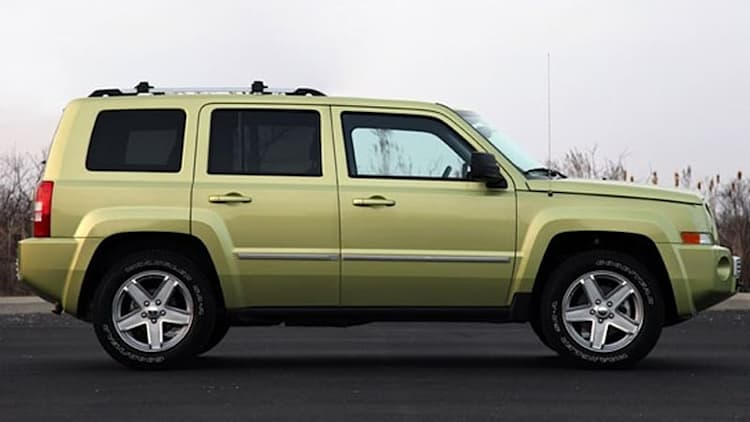 jeep patriot news photos and reviews autoblog. Black Bedroom Furniture Sets. Home Design Ideas