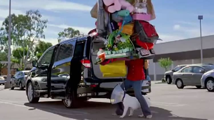 Video: 2011 Nissan Quest is klutz-proof in new TV spot
