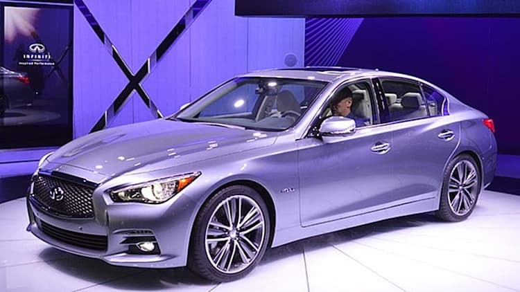 2014 Infiniti Q50 debuts G-replacing design, new hybrid model