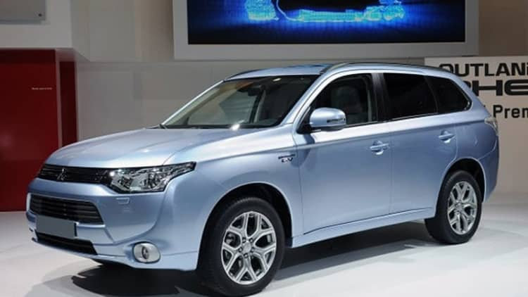 Mitsubishi Outlander PHEV production restarts after five-month delay