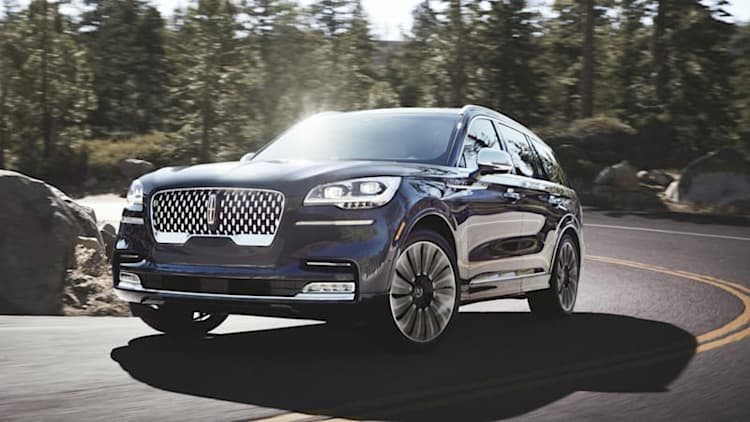 Lincoln Aviator's Air Glide Adaptive Suspension knows when it'll hit potholes