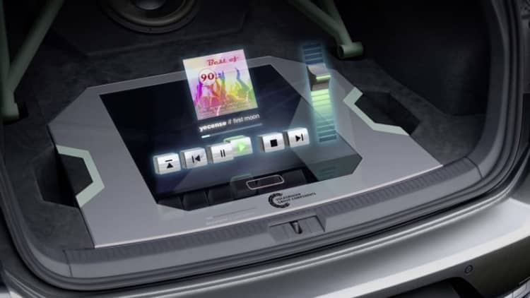 This VW Golf GTI has a trunk hologram that controls the music