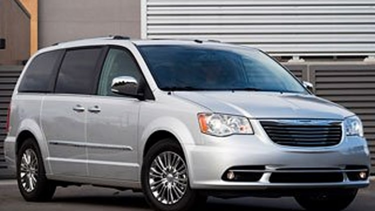 2011 chrysler town country still tops among the minis. Black Bedroom Furniture Sets. Home Design Ideas