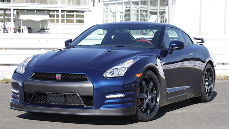2015 nissan gt r first drive photo gallery autoblog. Black Bedroom Furniture Sets. Home Design Ideas