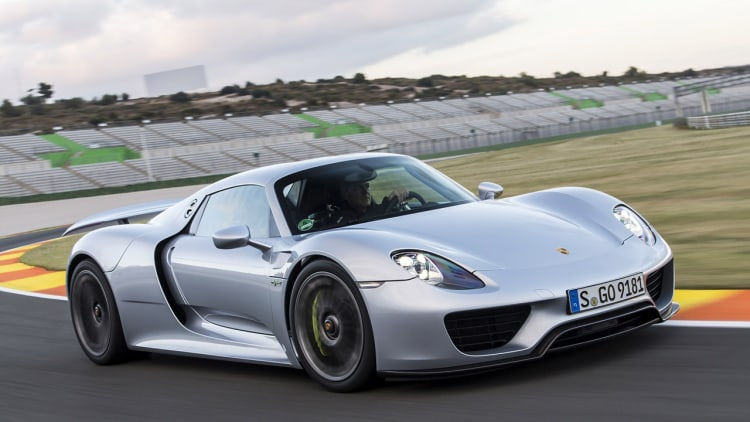 2015 porsche 918 spyder first drive photo gallery autoblog. Black Bedroom Furniture Sets. Home Design Ideas