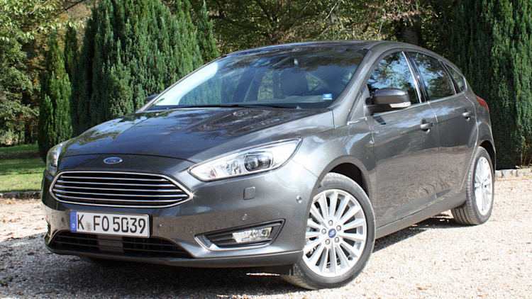 ford focus  ecoboost  drive photo gallery