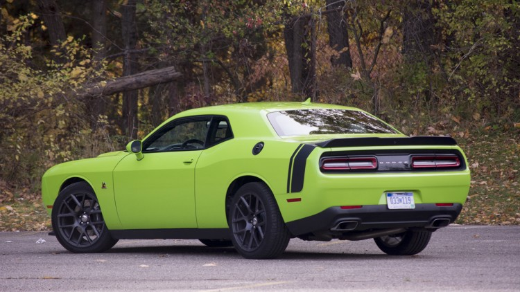 2015 dodge challenger r t scat pack quick spin photo gallery autoblog. Black Bedroom Furniture Sets. Home Design Ideas