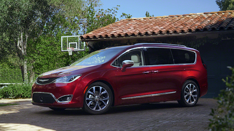 2017 chrysler pacifica photo gallery autoblog. Black Bedroom Furniture Sets. Home Design Ideas