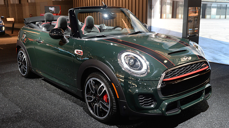2017 mini john cooper works convertible new york 2016. Black Bedroom Furniture Sets. Home Design Ideas