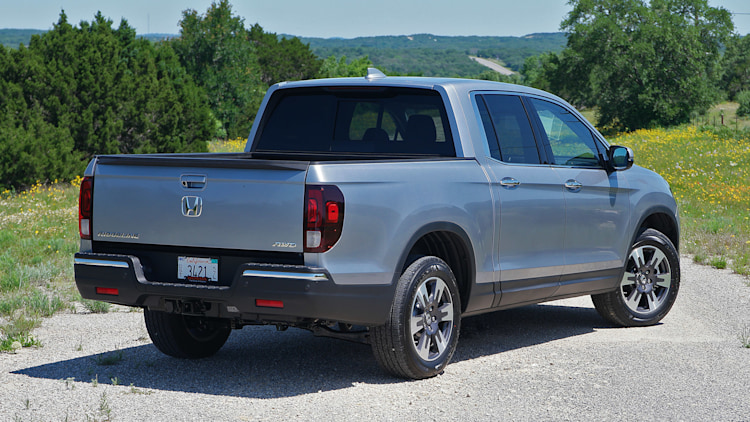 2017 honda ridgeline first drive photo gallery autoblog. Black Bedroom Furniture Sets. Home Design Ideas
