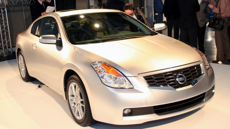 2008 nissan altima coupe photo gallery autoblog. Black Bedroom Furniture Sets. Home Design Ideas