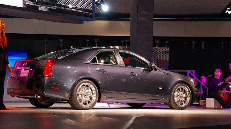 detroit 2008 2009 cadillac cts v live reveal photo gallery autoblog. Black Bedroom Furniture Sets. Home Design Ideas