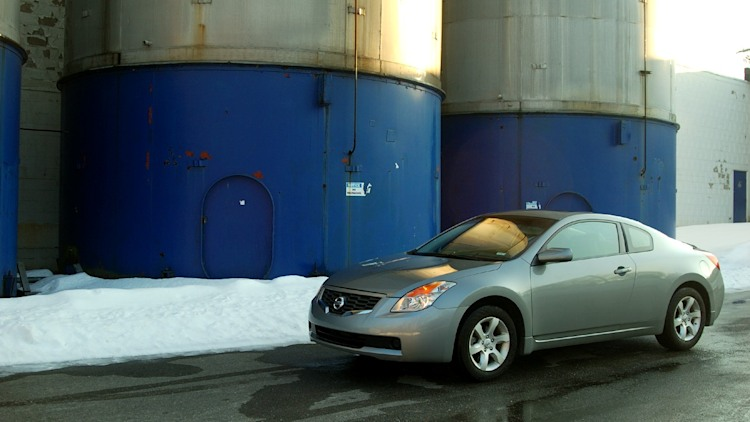 Review 2008 Nissan Altima Coupe 2 5s Photo Gallery Autoblog
