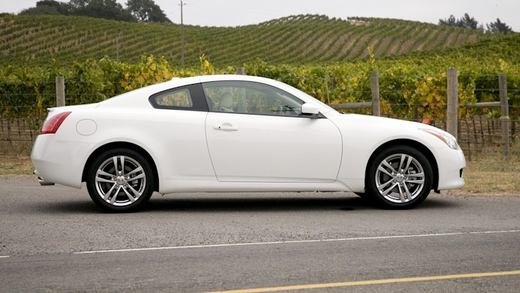 2009 infiniti g37x coupe photo gallery autoblog. Black Bedroom Furniture Sets. Home Design Ideas