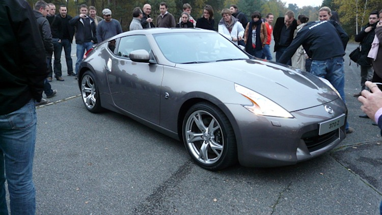 2010 nissan 370z uncloaked photo gallery autoblog. Black Bedroom Furniture Sets. Home Design Ideas