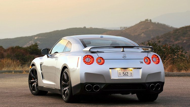review 2010 nissan gt r photo gallery autoblog. Black Bedroom Furniture Sets. Home Design Ideas