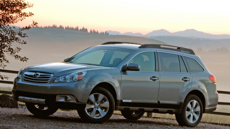 first drive 2010 subaru outback photo gallery autoblog. Black Bedroom Furniture Sets. Home Design Ideas