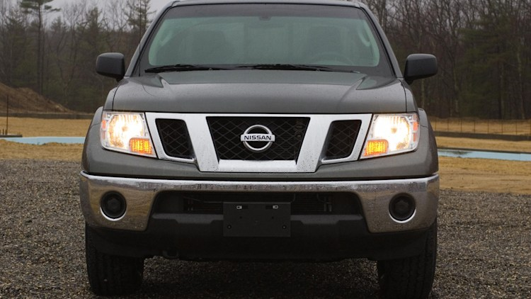 review 2009 nissan frontier photo gallery autoblog. Black Bedroom Furniture Sets. Home Design Ideas