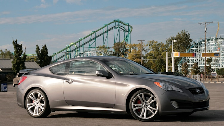 road trip review 2010 hyundai genesis coupe with navigation photo gallery autoblog. Black Bedroom Furniture Sets. Home Design Ideas