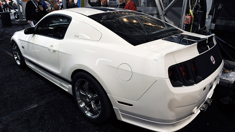 2011 shelby gt350 at barrett jackson photo gallery autoblog. Black Bedroom Furniture Sets. Home Design Ideas