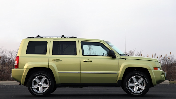 review 2010 jeep patriot photo gallery autoblog. Black Bedroom Furniture Sets. Home Design Ideas