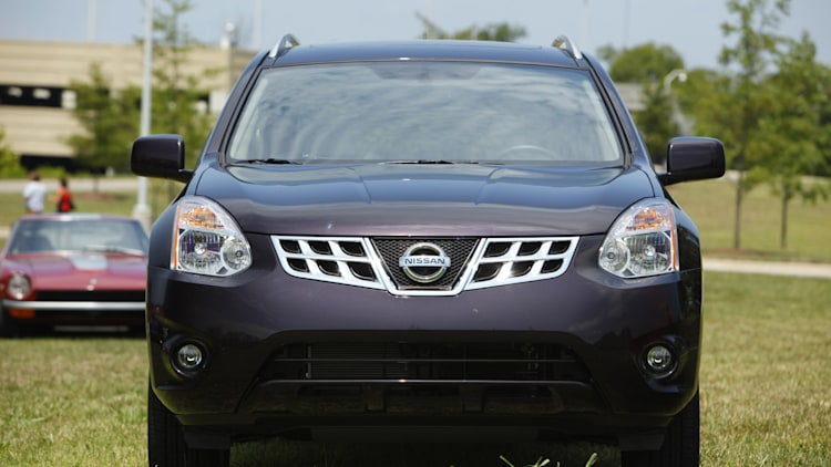 2011 nissan rogue aug 8 2013 photo gallery autoblog. Black Bedroom Furniture Sets. Home Design Ideas