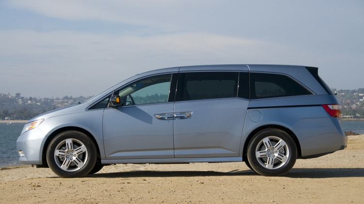 2011 honda odyssey first drive photo gallery autoblog. Black Bedroom Furniture Sets. Home Design Ideas