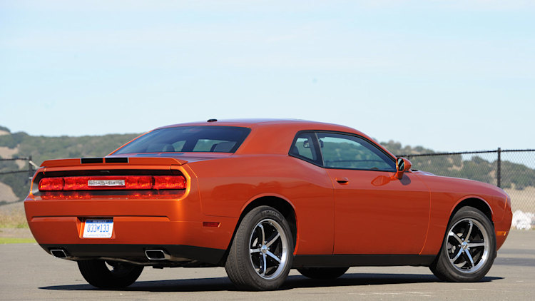 2011 dodge challenger se first drive photo gallery autoblog. Black Bedroom Furniture Sets. Home Design Ideas