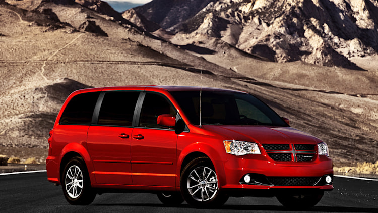 2011 dodge grand caravan r t photo gallery autoblog. Black Bedroom Furniture Sets. Home Design Ideas