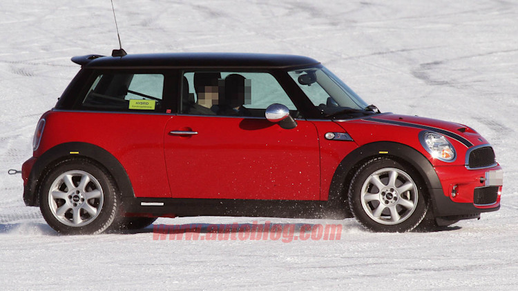 spy shots mini cooper hybrid with awd photo gallery. Black Bedroom Furniture Sets. Home Design Ideas