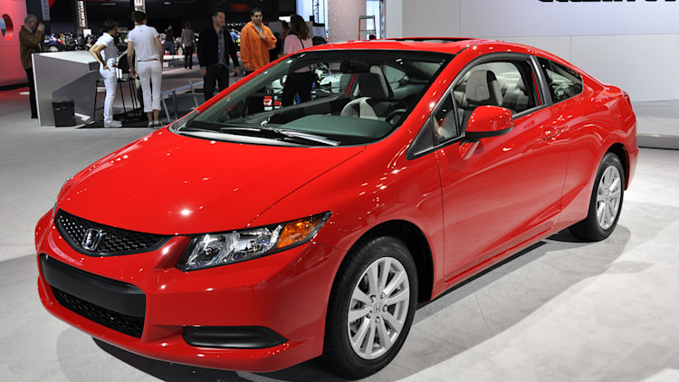 2012 honda civic coupe new york 2011 photo gallery autoblog. Black Bedroom Furniture Sets. Home Design Ideas