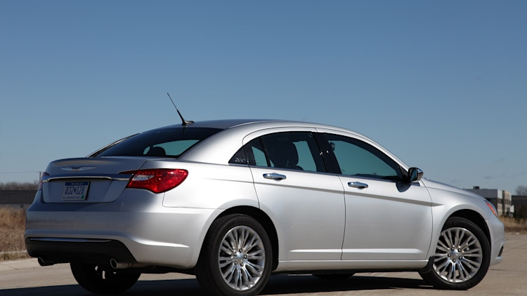 2011 Chrysler 200  Review Photo Gallery