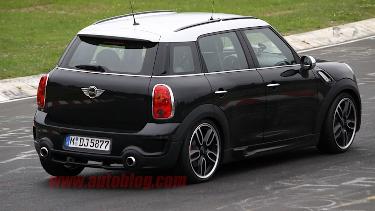 spy shots mini countryman jcw photo gallery autoblog. Black Bedroom Furniture Sets. Home Design Ideas