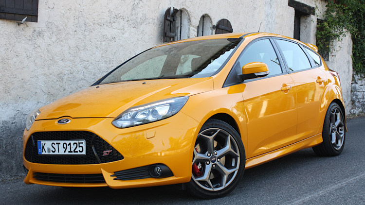 2013 ford focus st first drive photo gallery autoblog. Black Bedroom Furniture Sets. Home Design Ideas