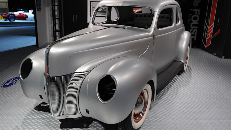 1940 ford coupe body shell sema 2012 photo gallery autoblog. Black Bedroom Furniture Sets. Home Design Ideas