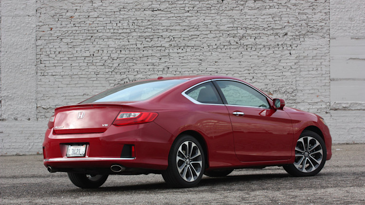 2013 honda accord v6 coupe quick spin photo gallery autoblog. Black Bedroom Furniture Sets. Home Design Ideas