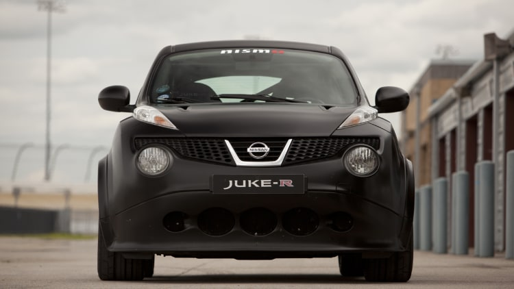 nissan juke r prototype 1 first drive photo gallery. Black Bedroom Furniture Sets. Home Design Ideas