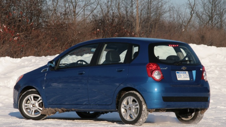 review 2009 chevy aveo 5 photo gallery autoblog. Black Bedroom Furniture Sets. Home Design Ideas