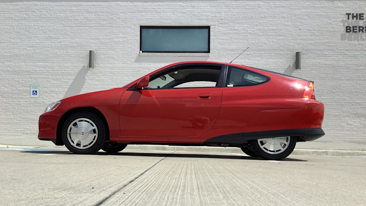 2000 Honda Insight for auction on BaT Photo Gallery | Autoblog