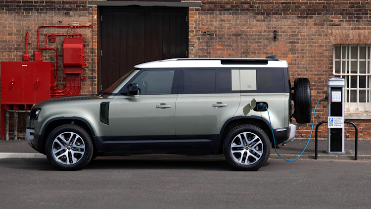 2021 Land Rover Defender 90 X-Dynamic and 110 PHEV Photo ...