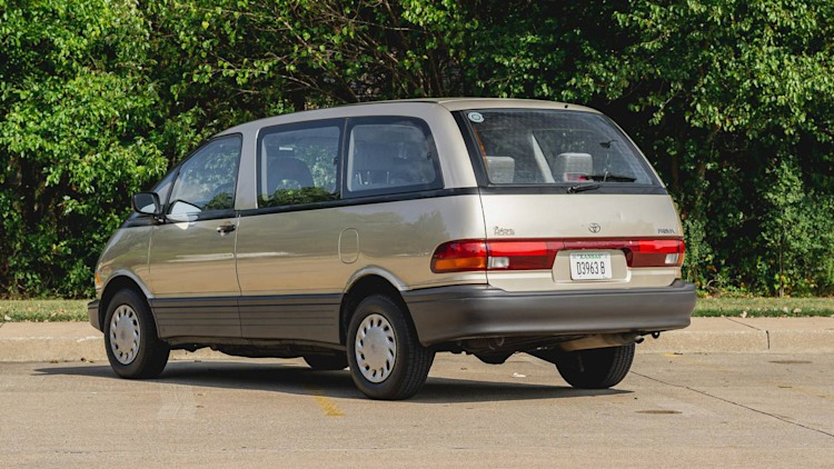 1993 Toyota Previa Photo Gallery