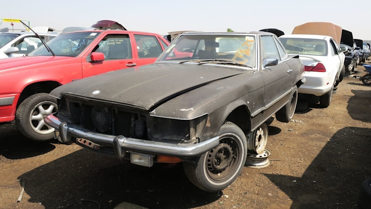 Junked 1972 mercedes benz 350sl photo gallery autoblog for Mercedes benz sl 350 price