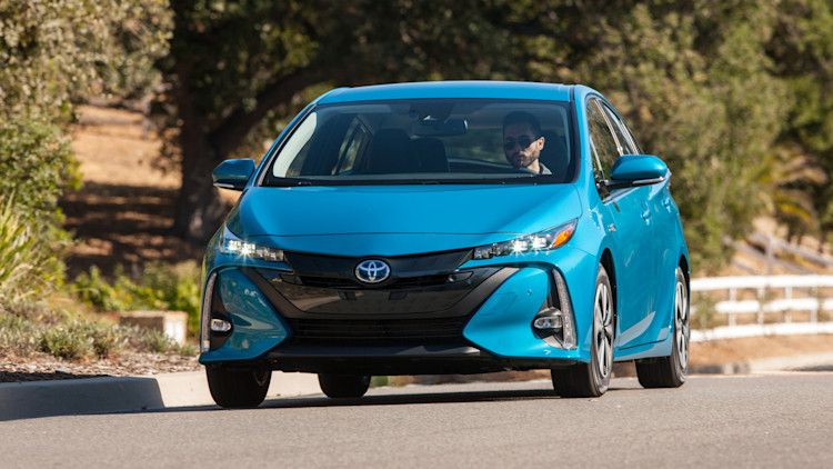 2017 toyota prius prime advanced photo gallery autoblog. Black Bedroom Furniture Sets. Home Design Ideas
